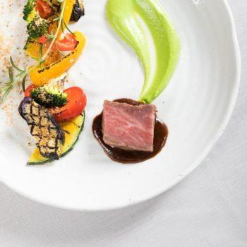 【15,000円コース】牛フィレと旬野菜のグリル 濃厚な赤ワインソース